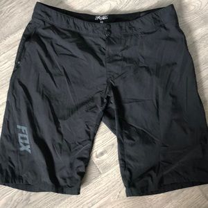 Fox size 40 MTB shorts